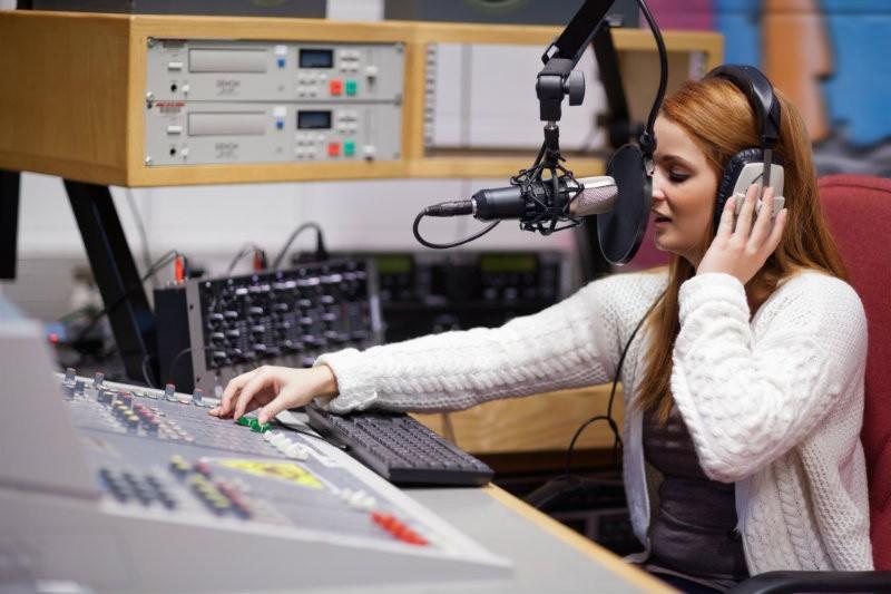 Qual è il titolo di studio necessario per lavorare in radio?