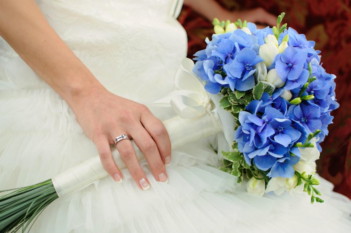 Bouquet Sposa Non Ti Scordar Di Me.Il Bouquet Del Matrimonio Meglio Se Blu Istituti Professionali