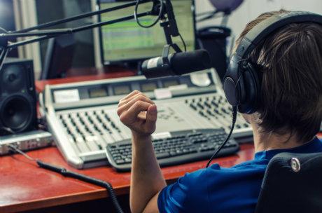 istituti professionali lavorare come speaker radiofonico 1 jpg